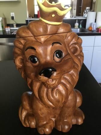 Photo Rare Vintage Twin Winston Lion Cookie Jar - $65 (Tallahassee)