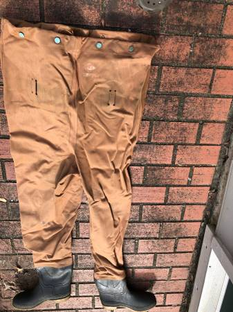 Photo Red ball waders size XL - $10 (Talkahassee)
