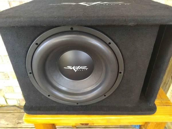 Photo Skar audio sdr 12 sub and box - $140 (Tallahassee)