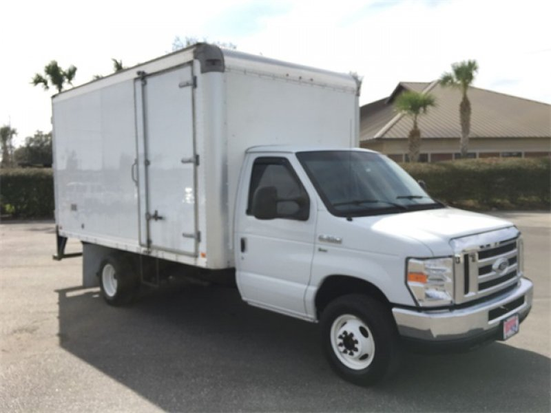 Photo Used 2015 Ford E-350 and Econoline 350 Super Duty for sale
