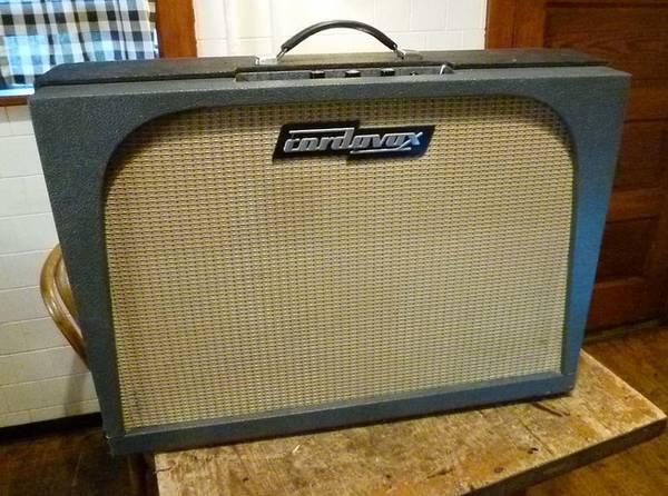 Photo Vintage 196039s Cordovox 30-watt Tube Amp - $600 (Monticello) - $600 (Monticello)