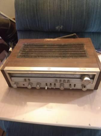 Photo Vintage Pioneer Stereo Receiver - $20 (655 Drake Acres Road, Quincy, Fl.)