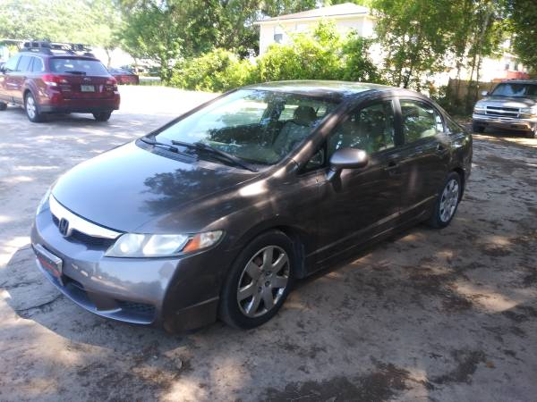 Photo WOW 2011 HONDA CIVIC 178K MILES 4995 FAIRTRADE AUTO - $4,995 (314 white drive, tallahassee fl)