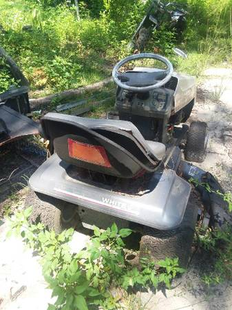 Photo White By MTD Parts Riding Mower - $50 (655 Drake Acres Road, Quincy, Fl.)