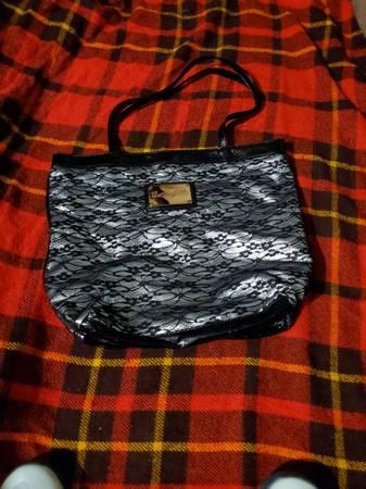 Photo silver and black flowered handbag purse - $12 (Tallahassee)