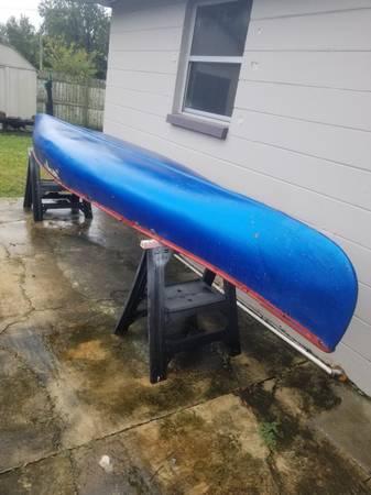 Photo 17 Foot 1988 Chief Fiberglass Canoe - $100