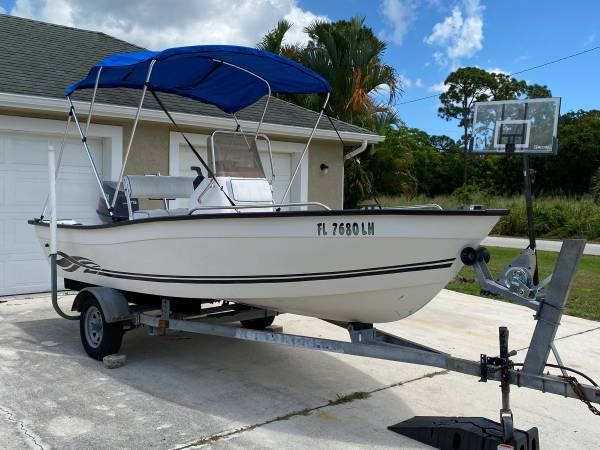 Photo 2000 Key Largo Center Console Boat. Yamaha 75 HP. With trailer - $7,999 (Port St Lucie)