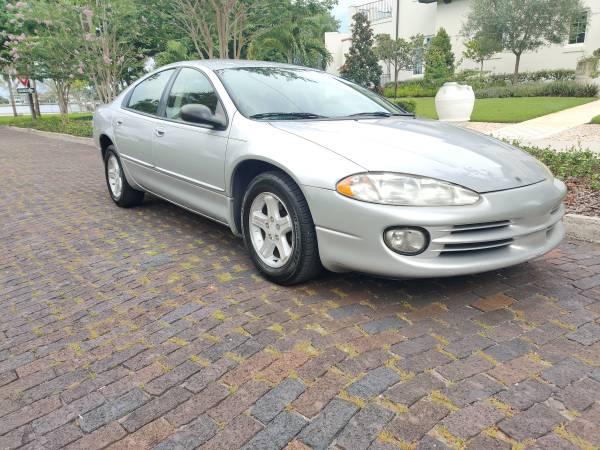 Photo 2003 Dodge Intrepid, low miles Very clean - $2,400 (Saint Petersburg)