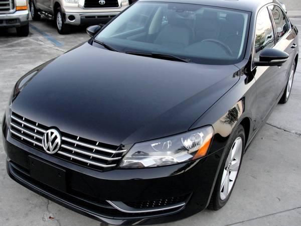 Photo 2012 VW PASSAT TDI WITH WARRANTY JUST SERVICED 45MPG - $6995 (Ta, FL)