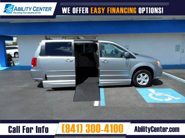 Photo 2013 Dodge Grand Caravan Wheelchair Van Handicap Van - $28,900 (5611 S. Tamiami Trail, Sarasota, FL 34231)