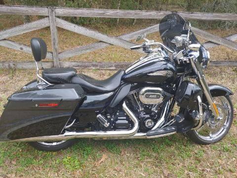 Photo 2013 Harley-Davidson CVO Road King 110th Anniversary - $20,000 (Floral City)