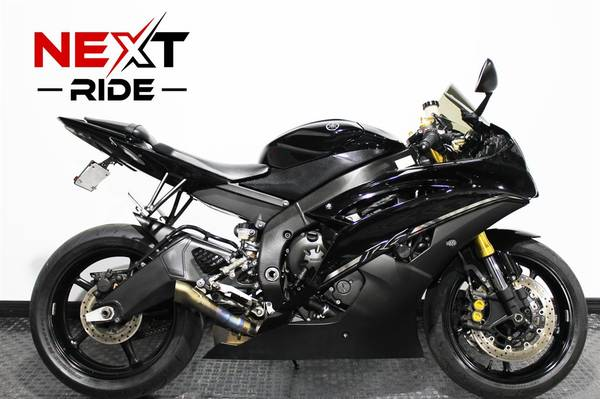 Photo 2014 YAMAHA R6 BLACKED OUT Akrapovic Exhaust Financing - $7,995 (Largo)