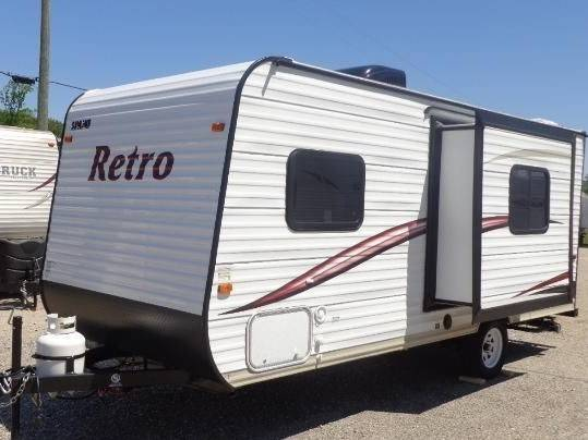 Photo 2016 Skyline 19ft Travel trailer with Slideout a small suv can pull it - $9200 (St petersburg)