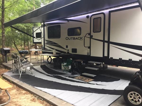 Photo 2019 Keystone Outback Toyhauler - $35,000 (Lithia, FL)