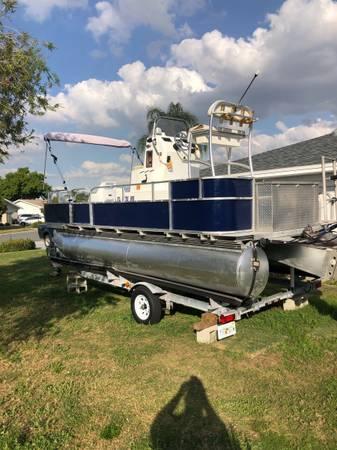 Photo 20 ft 2008 pontoon set up for fishing - $14,000 (Sun City Center)
