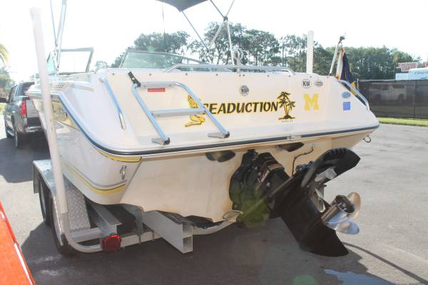 Photo 20 ft Sea Ray mint condition - $10000 (New Port Richey)