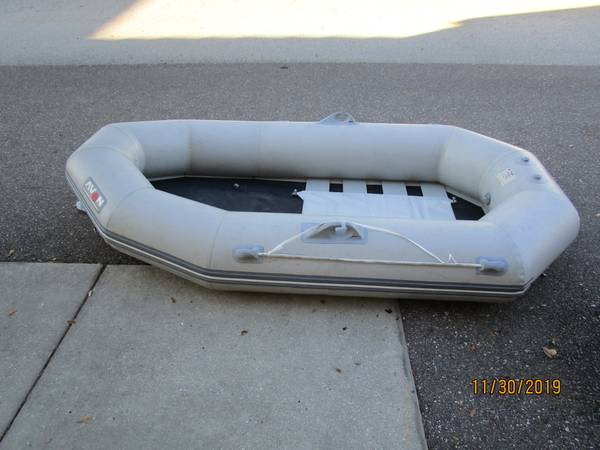 Photo Avon Redcrest Inflatable Dinghy - $265 (Riverview)