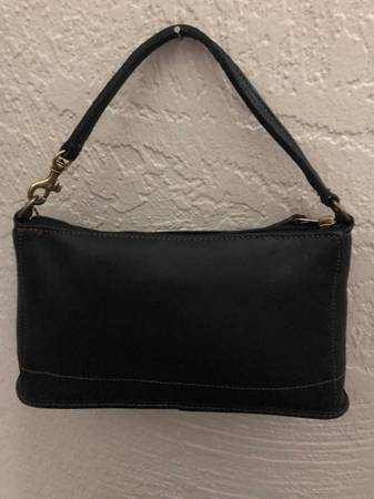 Photo Beautiful COACH Black Leather Handbag - $34 (St Petersburg)