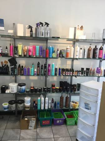 Photo Beauty salon liquidation sale - $1,111,111 (15207 N. Dale Mabry Highway, Ta Florida)