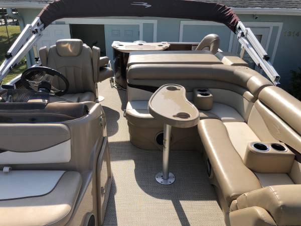 Photo Bennington Pontoon Boat  Trailer 2018- Saltwater Series - $29800 (Homosassa Florida Crystal River)