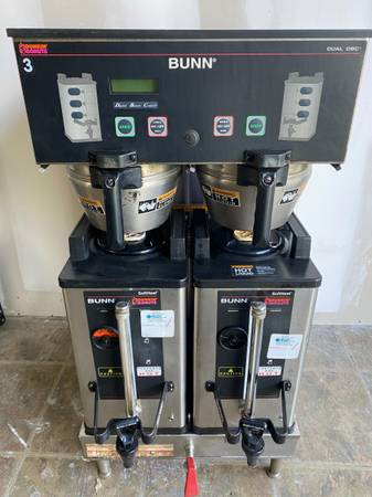 Photo Bunn Commercial Coffee Brewer with Dispensers - MODEL Dual SH DCB - - $1,100 (OBO, Ta)