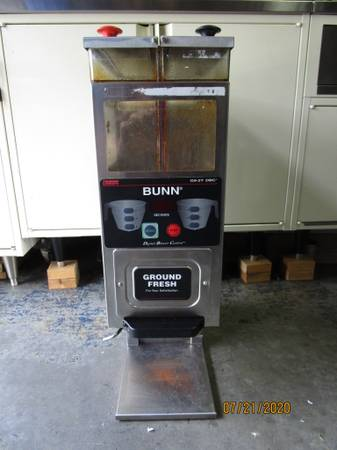 Photo Bunn Commercial Coffee Grinder G9-2T DBC - $315 (Riverview)