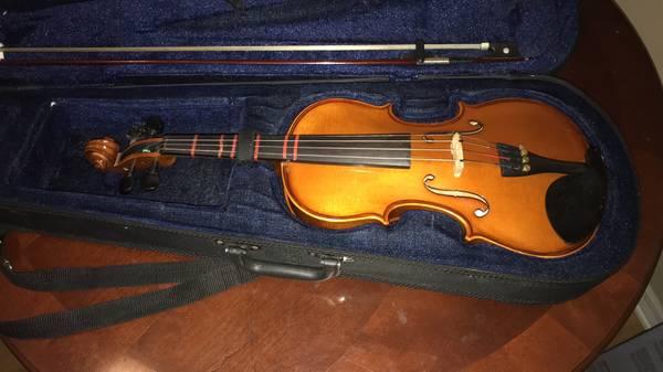 Photo Carlo Robelli Violin w bow and case Model 34 cr-113 - $125 (Port Richey)