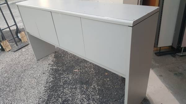 Photo Coastal Gray,Big-Screen TV Stand with Storage,Or Machinery Stand - $50 (Clearwater)