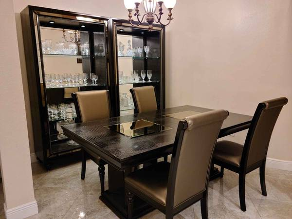 Photo Dining Set Table, 8 Chairs, China Cabinets, and Buffet - $1,200 (Ta)
