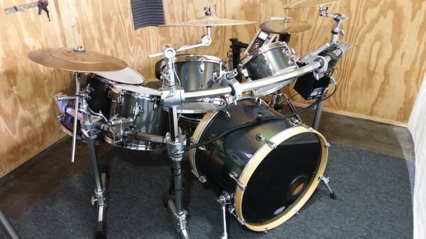 Photo Electronic drum set  E-drums Roland - $1,575 (Wesley Chapel)