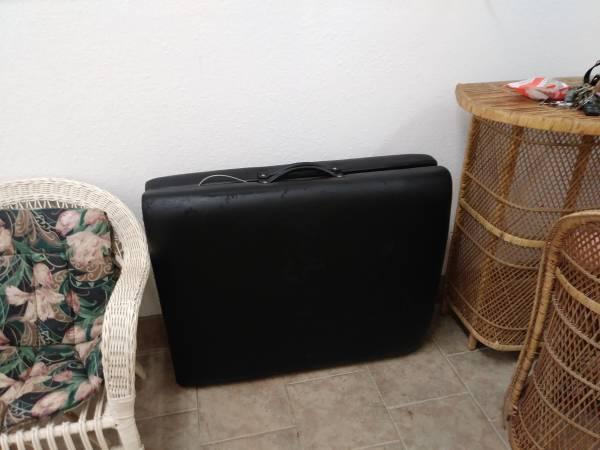 Photo Entertainment set,portable suitcase massage table etc (Sr 52 little rd)
