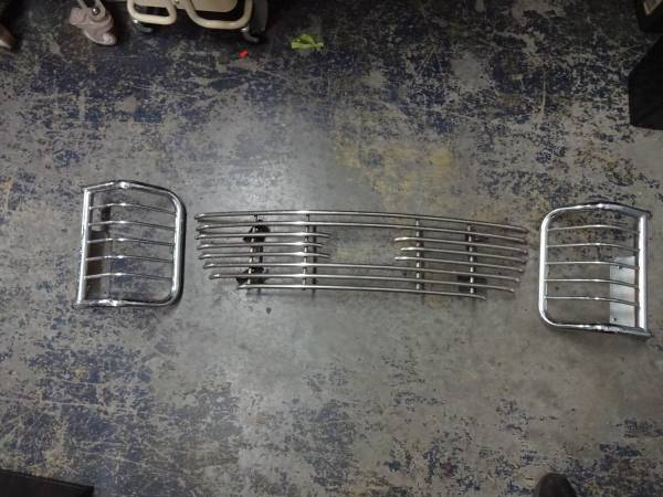 Photo Ford F150 Grill and Tail Light Guards - $60 (Riverview)