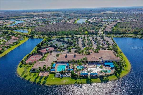 Photo HOME IN THE IMMACULATAE RESORT STYLE COMMUNITY OF VALENCIA LAKES (WIMAUMA, FL)