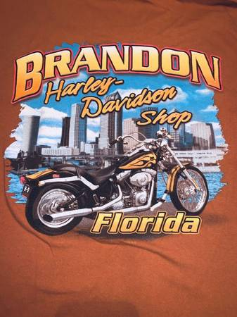 Photo Harley Davidson T-Shirts - $15 (New Port Richey)