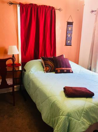 Photo International Guest House-Room for Rent (Historic Old SE, St Petersburg)
