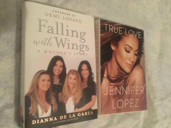 Photo JENNIFER LOPEZ true love, Falling With Wings Forward by Demi Lovato - $15 (ta)