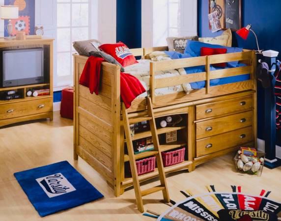 Photo Kids bedroom set- Lea Austin Twin loft bed - $599 (Largo)