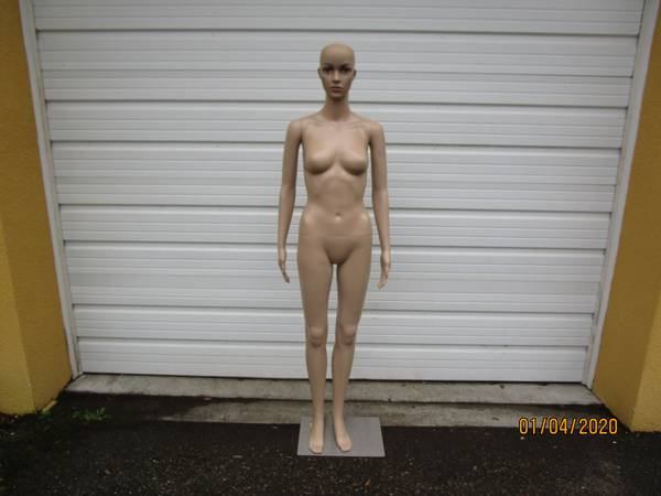 Photo Life Size Female Mannequin - $125 (Riverview)