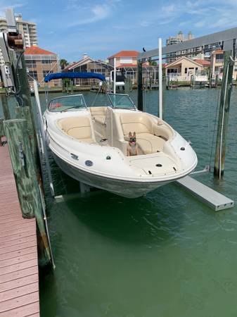 Photo Low hours 2001 SeaRay Sundeck 240 - $18,000 (Clearwater Beach)