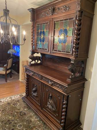 Photo MAGNIFICENT SOLID OAK BELGIAN CUPBOARD CIRCA 1850 - $1,250 (NEW PORT RICHEY)
