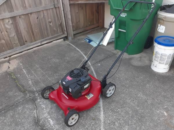 Photo Murray 21 inch mulching push lawn mower - $70 (Zephyrhills)