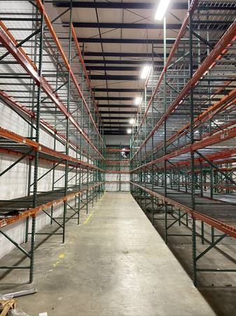 Photo Pallet Rack Liquidation Sale New and Used - $16 (Ft lauderdale)