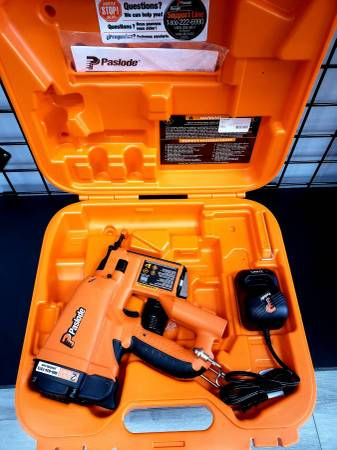 Photo Paslode Cordless Brad Nailer Nail Gun wBattery, Charger  Case - $239 (Ta)