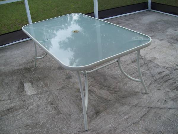 Photo Patio Table with Glass Top - $10 (New Port Richey)