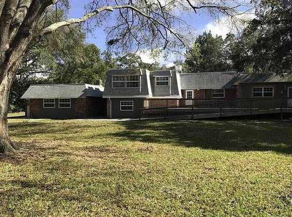 Photo RARE NEW PORT RICHEY HOME ON 2.23 ACRES $435,000 FIRM (NEW PORT RICHEY)