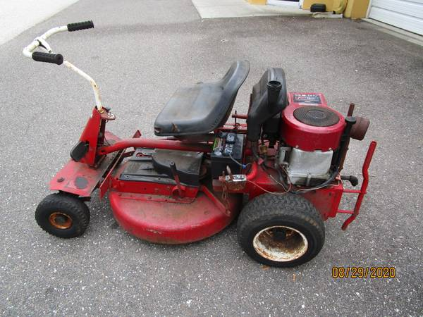 Photo Snapper Riding lawn Mower 14.5 hp Eng - $265 (Riverview)