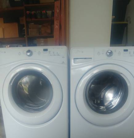 Photo Whirlpool Washer and gas Dryer - $300 (St Petersburg)