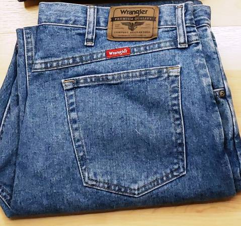 Photo Wrangler Mens Jeans 38W x 30L - $25 (Spring Hill)