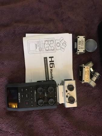 Photo Zoom digital audio recorder - $250 (Temple Terrace)