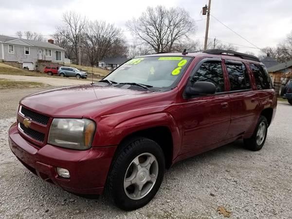 Photo 06 Chevy Trailblazer LT 4x4, 3rd row , New Tires, $5,995 Clinton - $5995 (Clinton)